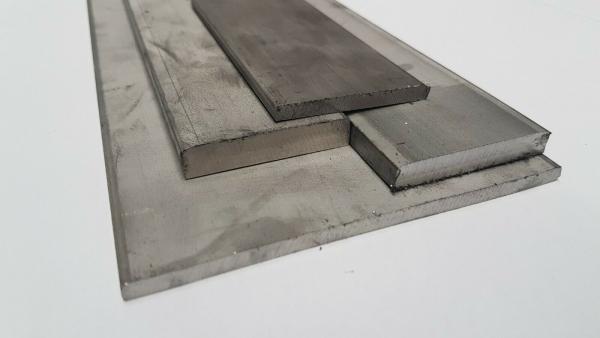 V2A Edelstahl Flachstahl Oberfl/äche blank L/änge 1000 mm Abmessungen 20 x 3 mm